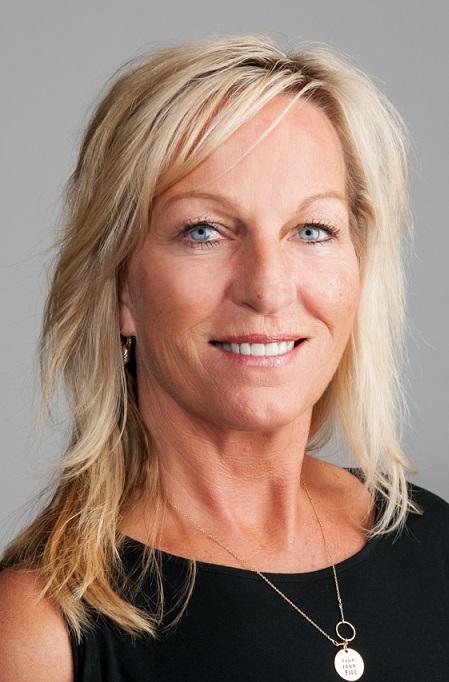 Profile photo of Jill Dee