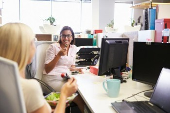 A Guide To Workplace Friendships