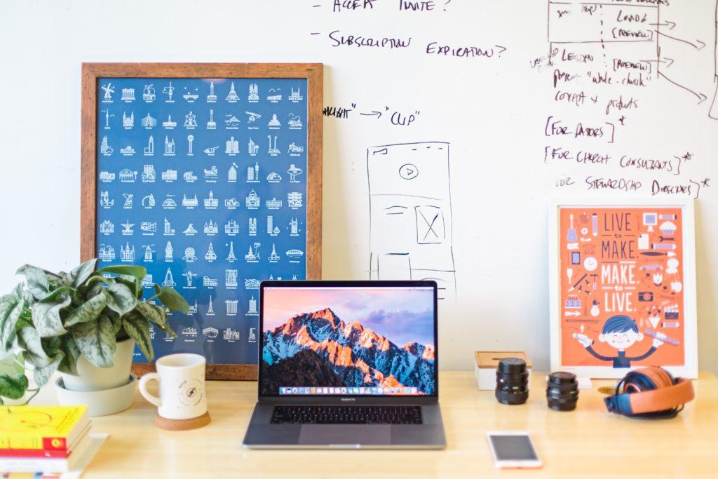 Tidy Work Desk